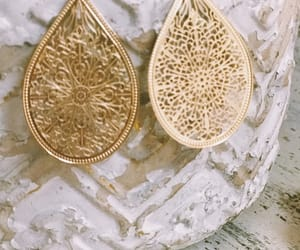 boutiques and fashion jewelry image