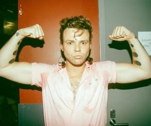 ashton, pout, and irwin image