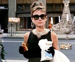 jewerly, breakfastattiffanys, and iconicwoman image