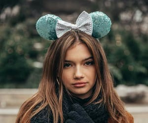 beuty, minnie mouse, and girls image