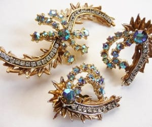 clip, vintage jewelry, and brooch pin image