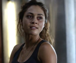 raven, raven reyes, and the hundred image