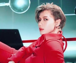 red suit, SHINee, and want image