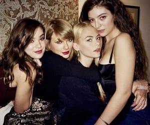 Jaime King, Taylor Swift, and hailee steinfeld image