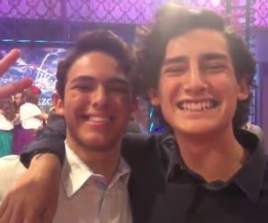 chicos, hug, and guapos image