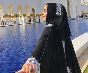 abu dhabi, arabic, and fashion image