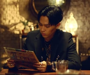 dinner, gentleman, and minsik image