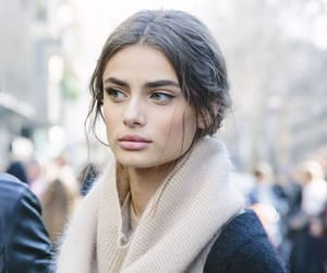girl, simple, and taylor hill image