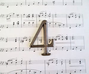 4 and number image