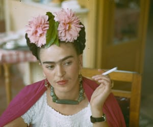 frida kahlo, Frida, and flowers image
