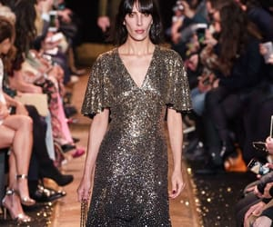 belleza, desfile, and elegancia image