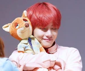 v, v cute, and kim taehyung image