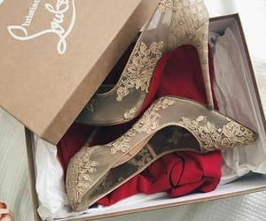 beige, christian louboutin, and dentelle image