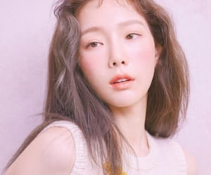 taeyeon, aesthetic, and kpop image