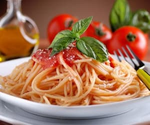 oil, pasta, and tomatoes image