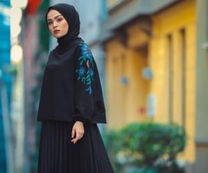 arab, hijab, and hijab fashion image