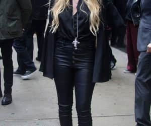 Avril Lavigne, outfit, and fotografía image