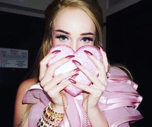 aesthetic, celebrities, and pink image