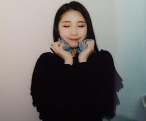polaroid, yeojin, and loona image