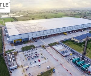 warehousing space, ecommerce logistics, and industrial warehousing image