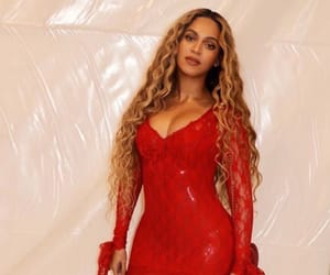 actress, beyonce knowles, and lifesaver image