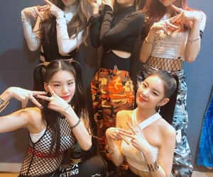 itzy, kpop, and lia image