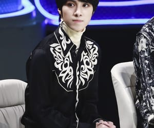 boy, hendery, and group image