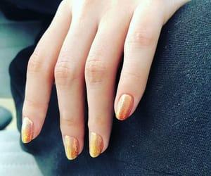 nails and selena gomez image