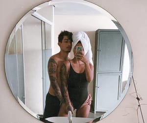 casal, mirror, and couple image