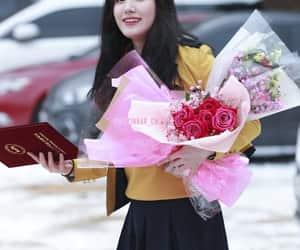 girl group, k-pop, and siyeon image