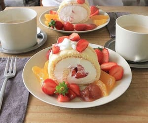aesthetic, food, and strawberry image