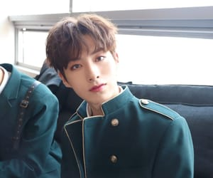xion and oneus image