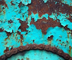 blue, rust, and upclose image