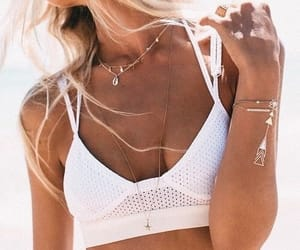 fashion and necklaces image