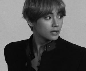 army, k-pop, and v image