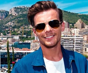 blue, tommo the tease, and louis tomlinson image