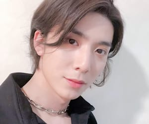 hwiyoung, kim youngkyun, and sf9 image