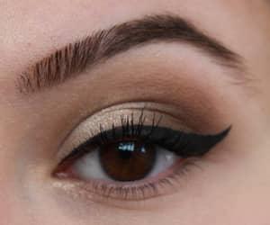yeux, makeup, and parfum image