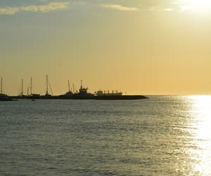 atardecer, barco, and colombia image