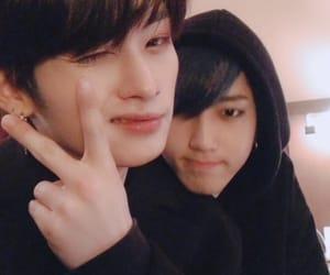 stray kids, Minho, and jisung image
