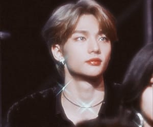 kpop, hyunjin, and 90s image