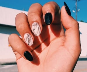 marble nails and inspo nails image