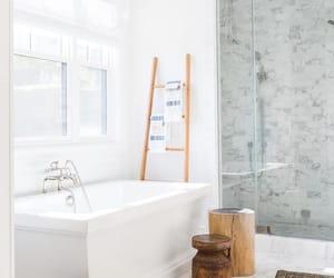 golden, maison, and washing room image