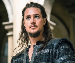 actor, netflix, and alexander dreymon image