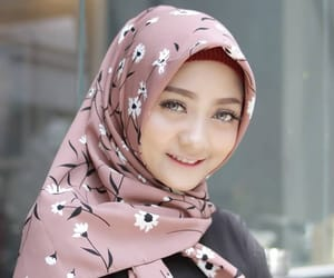 beauty, girl, and tudung image