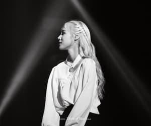 p: fantaken, jinsoul, and jung jinsoul image