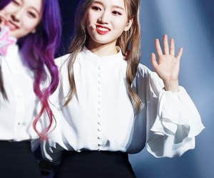 k-pop, hyunjin, and jinsoul image