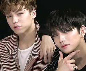 gif, jisol, and Seventeen image