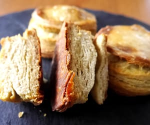 bake, crispy, and bread image