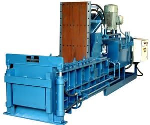 triple action baler, double action baler, and hydraulic baling press image